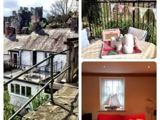 CASTLEVIEW COTTAGE - FABULOUS VIEWS & FREE WIFI, Conwy