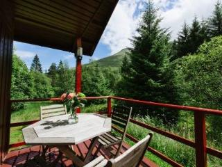 The Whooper - Cosy Chalet with stunning views, Crianlarich