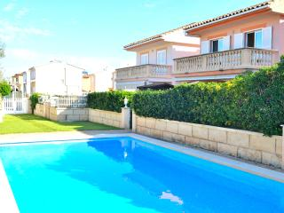 Economic Villa 300 meters from the beach, Port d'Alcúdia
