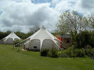 Summer Bell Tent sleeps 4 in Cornwall, Edmonton
