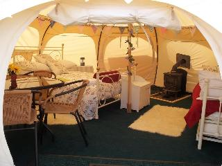 Summer Bell Tent sleeps 4 in Cornwall