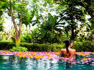 PRIME LOCATION - BALI CHARM - FIVE STAR LUXURY PRIVATE VILLA, Seminyak
