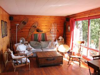 Cedar Grove Cottage Rental on Trout Lake $925/week, North Bay