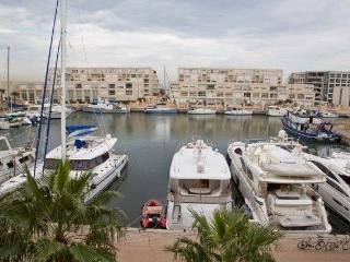 luxry waterfront apt 3.5 room 185m marina herzelya, Herzlia