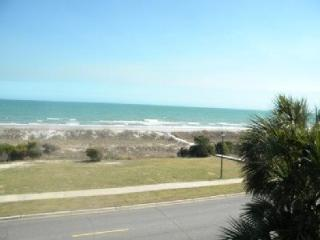 D-209 Ocean Forest Villas: Fully Renovated, Oceanfront Two Bedroom Condo- Sleeps 6!, Myrtle Beach