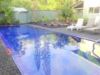Ocean View Pool  Jacuzzi 4BR 3Ba 25% off Dec 2016 & Jan 2017, Keaau