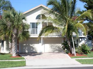 Marco Island Cottage - Water Front