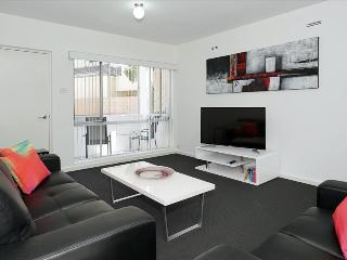 Canning Bridge Apartment, Como
