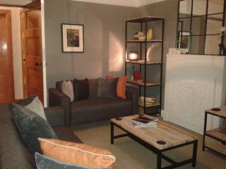 Lounge & TV room