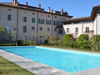 L. Garda: fabulous three rooms apt ancient mansion