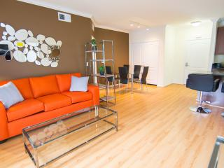 LA Luxury Two Bedroom Apartment, Pool and Gym 2C, Los Ángeles