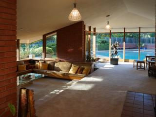 Live in a Work of Art; A. Green of Frank L Wright, Los Altos Hills