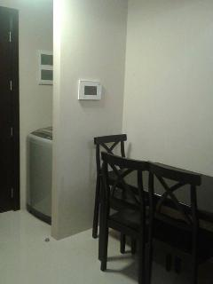 Dining and washing area ( complete set tools and automatic washer and dryer)