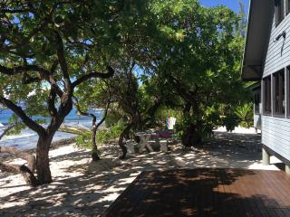 The Beach House / La Maison de plage - Moorea