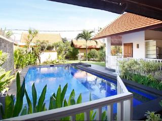 Sanur, 2 Bedroom Villa near the Ocean
