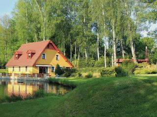 Cottage Pond, Krasna Lipa