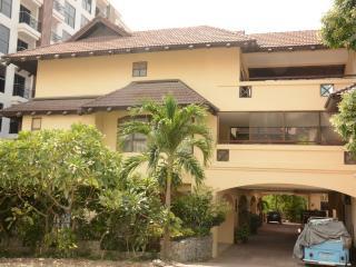 3 storey villa with pool, Pattaya