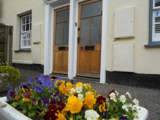 No.12 Broad St, Padstow Centre, Maypole Cottages