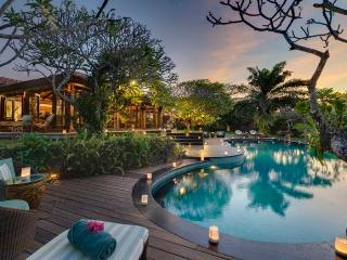 Villa East Indies Canggu Bali Elegant 6 bdrm, Pererenan