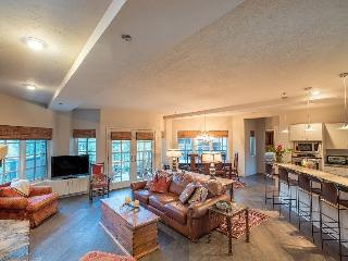 Westermere 210 - 4Br / 3 Ba - Sleeps 9 - Located in the core of Mountain Village - Easy Ski Access and great views, Telluride