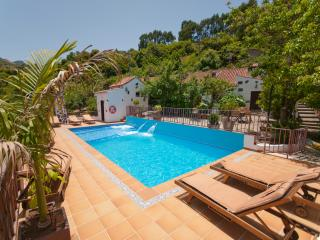 Holiday cottage with shared pool in Moya GC0003