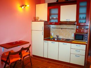 Small Studio in Budva, 250m to sea