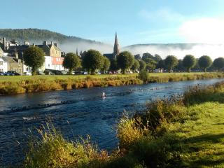 Cosy studio flat by the River Tweed, Peebles.