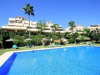 Lux Flat with Private Garden from £65 pn., Elviria