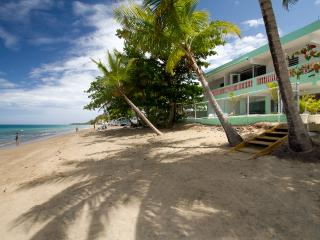 Rincon Beachfront 8th and Ocean Sleeps 6-26, Rincón