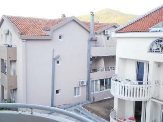 Cozy apartment 3 bedrooms in Budva