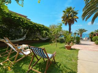 Apartment Tudija 25m from sea