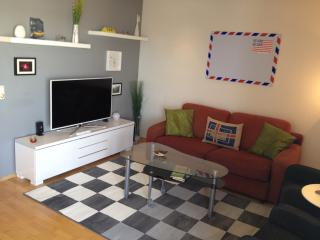 Peaceful Downtown Apartment-Free WiFi and Parking, Reikiavik