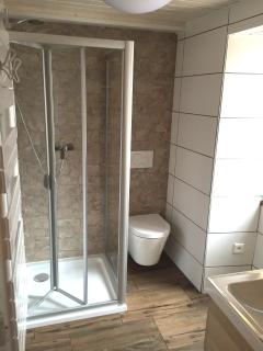 Salle de bains toute neuve...!