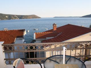 Apartment in Savina with sea view 50m from the sea