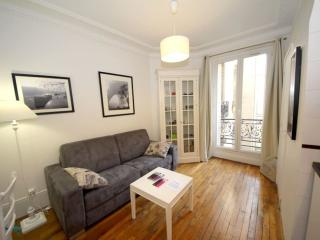 La Parisienne apartment in 11ème - La Bastille with WiFi & lift.
