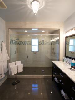 Spacious Bathroom with 2 person shower
