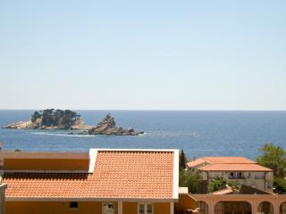 3-bedroom apartment in Petrovac / to sea 300m