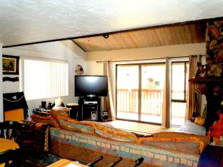 #57 Premier 2BR Townhouses. Next to Snow Summit!, Big Bear Lake