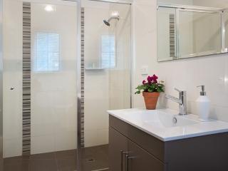 Monigatti - Bathroom 1