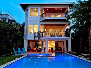 Jewel of the Bay: 4BR INCREDIBLE Waterfront Home, Anna Maria