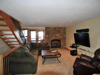 Reasonably Priced  3 Bedroom  - 52 Clubhouse #50, Breckenridge