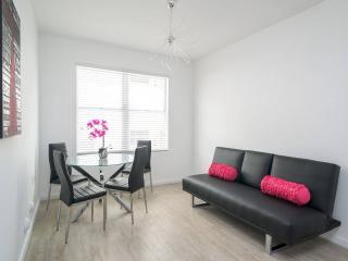 Fantastic Single Bedroom Apartment in Lincoln Road, Miami Beach