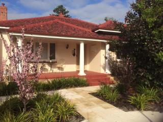 CLOSE TO CITY, SHOPPING  AND AIRPORTS, Perth