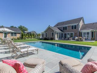 SULLS - Exquisite, Chic,  Edgartown Village Compound, Heated Pebble Tec Pool, Pool House,  Main And Guest House, Ferry Tickets Available Week 8/20