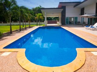 Villa Lotus Krabi - New Private Pool Villa