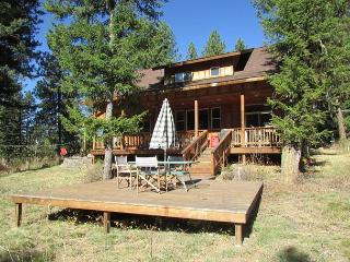 Charming home close to McCall and surrounded by Pines