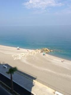 vista spiaggia e mare dal terrazzo