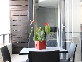 905 The Decks on Long St Luxury 2 Bedroom  Apartment