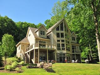 Exceptional 5 Bedroom on Premiere level lakefront!
