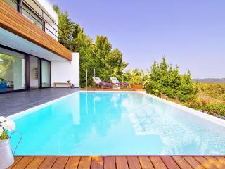 Espectacular villa de lujo con vistas impresionantes y piscina privada